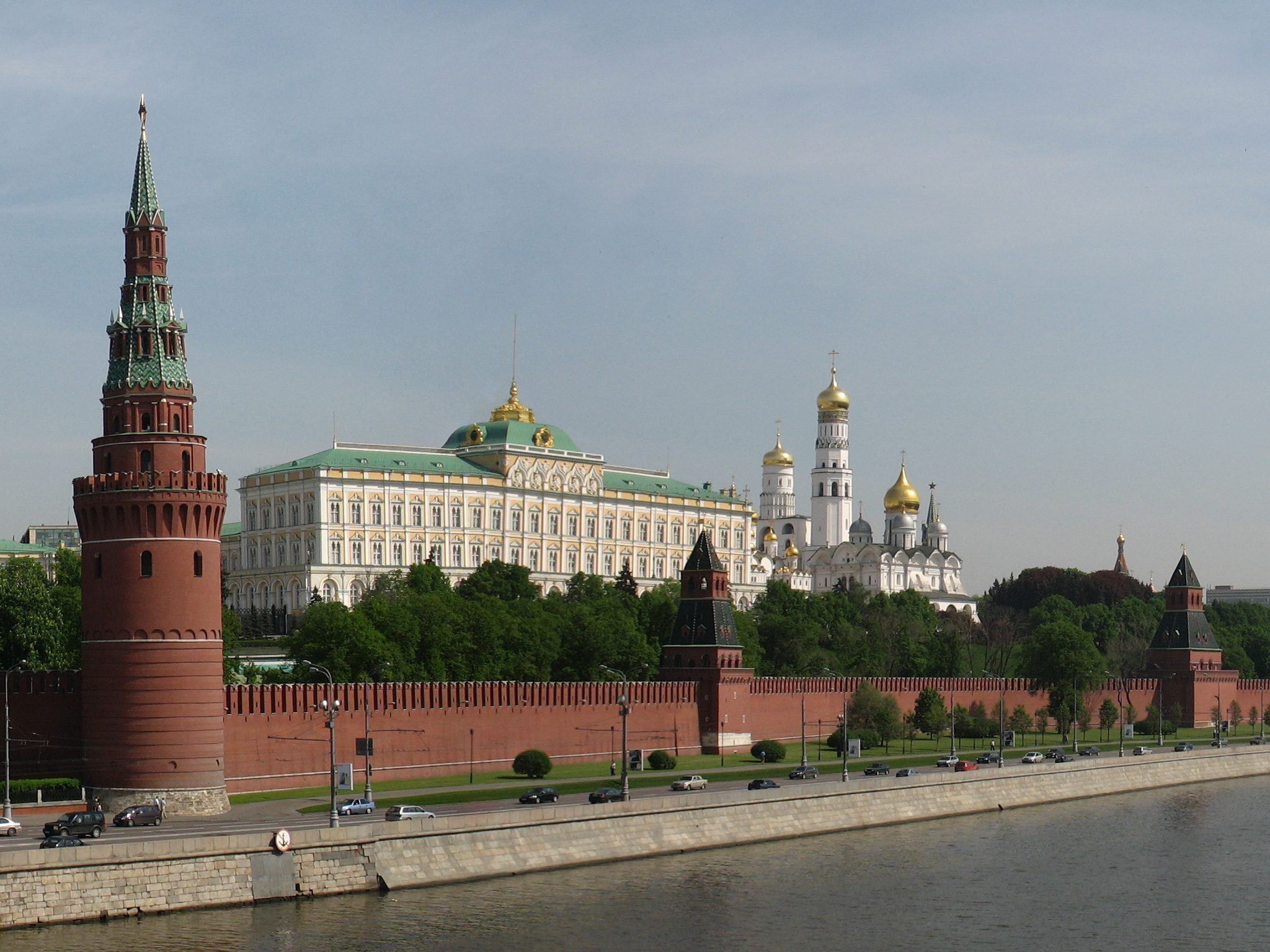 Moscow Kremlin from Bolshoi Kamenny bridge. Photo by Минеева Ю.
