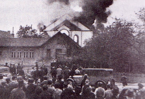 Brand_rostocker_synagoge_09-11-1938