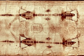 The Shroud of Turin As A Ceremonial Easter cloth