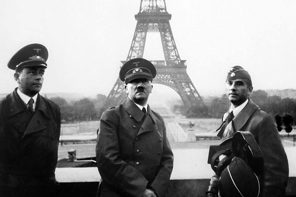 640px-Adolf_Hitler_in_Paris_1940