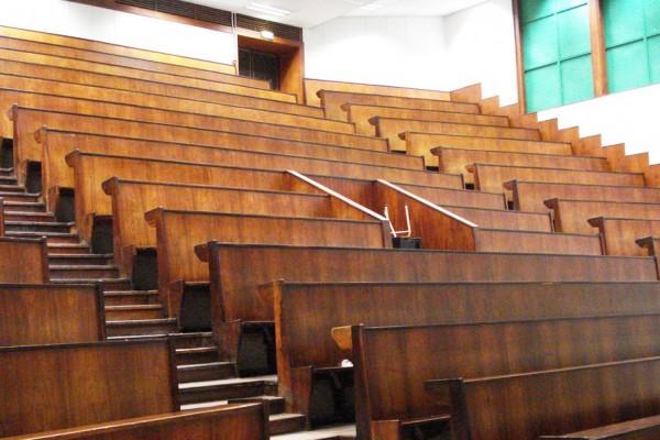 Lecture-theatre--1024x768-1
